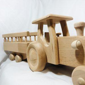 Houten speelgoed traktor en aanhanger